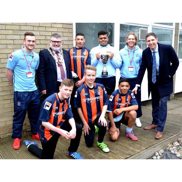 Mayor Dave Hodgson with Grange Academy students and players and officials from Luton Town FC