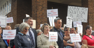 Mayor Dave Hodgson with local campaigners at a demo against the Covanta incinerator near Stewartby