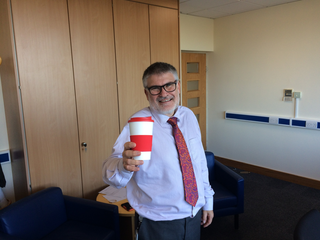 Mayor Dave Hodgson with reusable drink cup