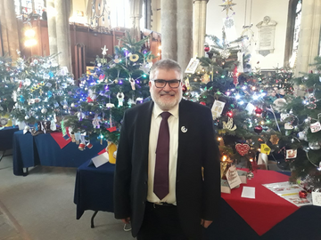 Mayor Dave Hodgson at the 2019 Bedford Christmas Tree Festival